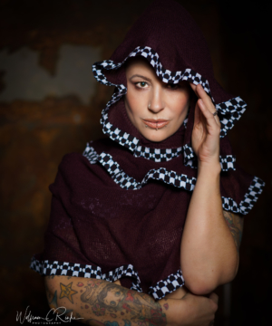Curly Scarf – Black & White Love