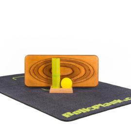 RollaPlank Set Premium bestehend aus Brett, Ball, Matte, Unterlagsteppich und Aufbewahrungsmodul.